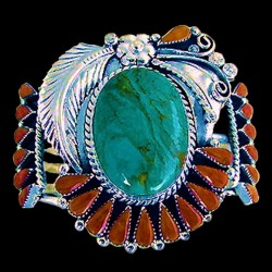 Navajo Armreif for Woman with a Turquoise Cabochon and Spiny Oyster Shell Teardrops