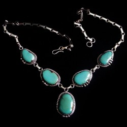 FIVE CABOCHONS NAVAJO STERLINGSILVER NECKLACE