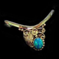 NAVAJO BRACELET FOR WOMAN WITH FEATHER AND CABOCHON